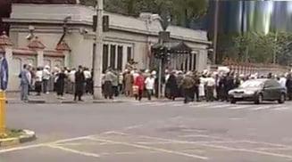 Protestul de la Guvern s-a incheiat fara incidente - urmeaza altul pe 19 mai