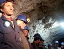 Protestul minerilor de la Rosia Montana continua, vor o intalnire cu Antonescu