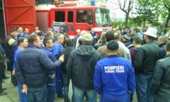 Protestul pompierilor din port, stins cu 200 de lei in plus la salariu