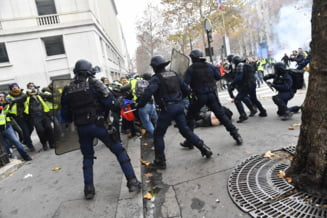Protestul vestelor galbene inchide Turnul Eiffel si muzee celebre. 65.000 de politisti vor fi pe strada