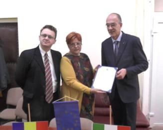 """Protocol de colaborare intre Universitatea de Vest """"Vasile Goldis"""" din Arad si UNIVEUR DI GALASSO GENNARO (Italia)"""