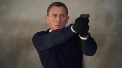 """Provocare: 1.000 de dolari pentru cei care reusesc sa vizioneze toate filmele """"James Bond"""" in 30 de zile"""