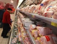 Pui cu salmonella in magazine - ANSVSA: Romanii sa stea linistiti, se distruge prin gatire