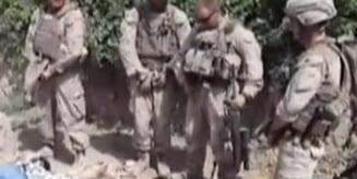Puscasi marini americani surprinsi cand au urinat pe cadavrele unor afgani (Video)
