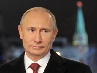 Putin: Snowden este blocat in Rusia