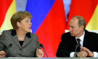 Putin, enervat ca Merkel l-a intrebat de Pussy Riot: Stiati ca sunt antisemiti? (Video)