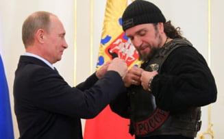 Putin a decorat in secret peste 300 de voluntari care l-au ajutat sa anexeze Crimeea