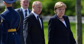 Putin apara pactul lui Stalin cu Hitler de fata cu Angela Merkel si da vina pe polonezi