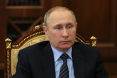 Putin avertizeaza SUA sa nu furnizeze armament Ucrainei: Rebelii au arme multe si vor raspunde