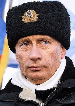 Putin cedeaza Japoniei patru insule, din greseala