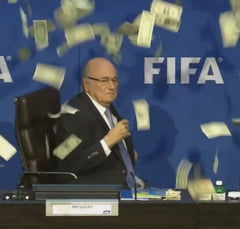 Putin il aduce pe Sepp Blatter la Cupa Mondiala