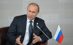 Putin incoltit: De ce are nevoie sa schimbe atentia rusilor