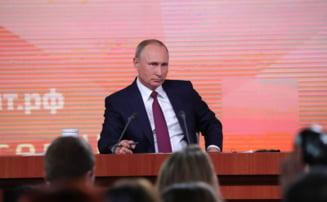 Putin interzice vanzarea de smartphone-uri fara aplicatii rusesti, FBI avertizeaza ca acestea colecteaza datele utilizatorilor