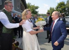 Putin isi apara participarea la nunta ministrului de Externe austriac: A fost o vizita privata