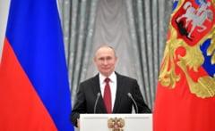 Putin vrea sa introduca in Constitutia Rusiei numele lui Dumnezeu si casatoria doar intre barbat si femeie