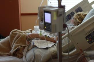 RAPORT. Risc de sase ori mai ridicat de spitalizare din cauza COVID-19, pentru persoanele cardiace sau cu diabet