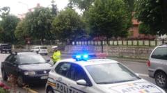 RAZIE in RAMNICU VALCEA. Soferii, opriti in trafic de politisti