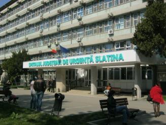 Radiografii ascunse in vestiarele a trei medici ortopezi de la Spitalul Slatina. Este ancheta la unitatea medicala