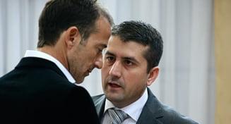 Radu Mazare si Decebal Fagadau, trimisi in judecata pentru vanzarea nelegala a 13 terenuri din statiunea Mamaia