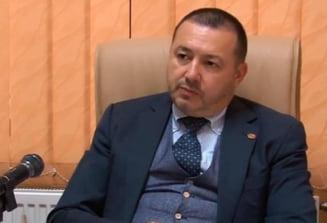 """Radulescu """"Mitraliera"""", dupa ce a fost amendat: """"Un politist cu sapte clase sau doua ma invata pe mine, medic chirurg, cum sa port o masca"""""""