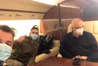 Raed Arafat si Valeriu Gheorghita au plecat cu avionul la Arad sa intampine TIR-ul care aduce primele doze de vaccin anti-COVID