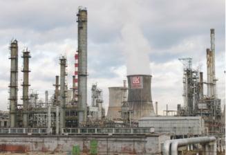 Rafinaria Petrotel-Lukoil isi inceteaza activitatea pana la solutionarea contestatiei depuse