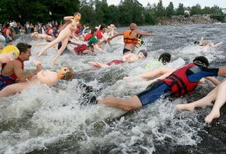 Rafting cu papusa gonflabila