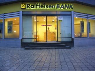 Raiffeisen Bank intrerupe serviciul de internet banking - vezi cand