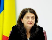 Raluca Pruna: Exista o lume care nu renunta la principii pentru o crestere de pensie sau de salariu