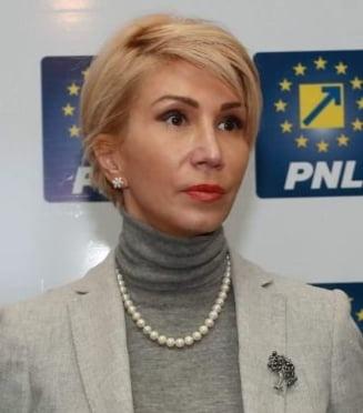 Raluca Turcan: Bugetul a fost transmis intr-un cadru neconstitutional. Guvernul incalca in mod deliberat Constitutia pentru a castiga timp