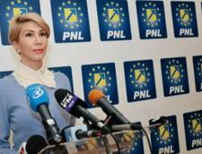 Raluca Turcan: Parlamentari ai PSD vor sustine motiunea de cenzura impotriva Guvernului Grindeanu