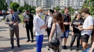 Raluca Turcan, ministrul Muncii, prezenta la targul de joburi organizat de AJOFM Olt la Casa Tineretului din Slatina