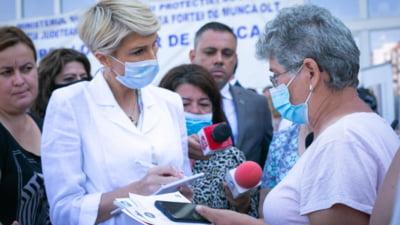 """Raluca Turcan, sfat pentru pentru romanii cu salarii mici: """"Sa ne concentram si pe part-time-uri"""". Ce-a muncit ministra la viata ei"""