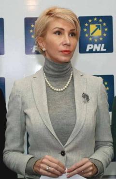 Raluca Turcan propune o alianta PNL-USR impotriva PSD. Cum raspunde Nicusor Dan
