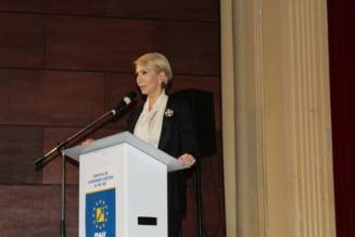 Raluca Turcan s-a dus la Iasi sa acuze PNL de blat cu PSD: Asa nu se poate!