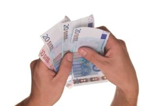 Raport INS: Costurile cu salariatii au crescut in ultima parte a anului trecut in toate activitatile economice