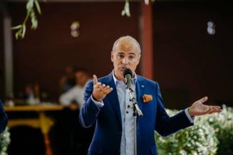 """Rareș Bogdan, despre mersul în politică: """"Chiar de ai fi Ronaldo, Messi sau Hagi, nu poți decât într-o echipă"""""""