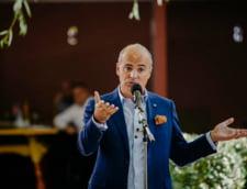 Rares Bogdan critica dur numirea lui Laurentiu Cazan la sefia Jandarmeriei Prahova: Structurile defecte ale MAI nu au inteles ca trebuie sa fie in slujba cetateanului