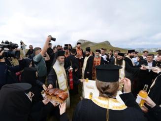Rasare o biserica pe platoul Bucegi - ce spune BOR despre avizul de constructie