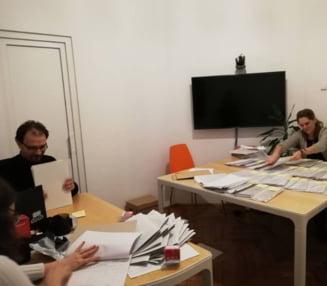 """Rasturnare de situatie in cazul initiativei """"Oameni noi in politica"""", respinsa de CCR: Semnaturile stranse respectau legea"""