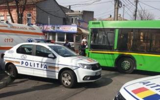 Razii ale politistilor in mijloacele de transport in comun pentru prevenirea raspandirii COVID-19. Ce recomanda oamenii legii