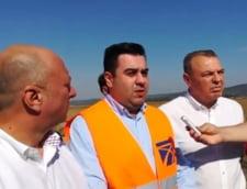 Razvan Cuc anunta ca s-au turnat primii kilometri de asfalt pe centura Bacaului, parte din Autostrada Moldovei