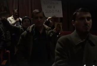"""Reactia Muzeului Taranului dupa protestul cu icoane si cantece bisericesti de la proiectia filmului """"120 BPM"""""""