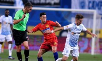 Reactia arbitrului Istvan Kovacs dupa ce s-a rastit la Florinel Coman in timpul meciului cu Universitatea Craiova