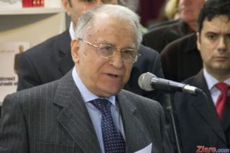 Reactia lui Ion Iliescu, dupa ce Gelu Voican Voiculescu a fost agresat in Piata Universitatii
