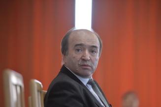 Reactia lui Toader dupa ce magistratii l-au acuzat ca a incalcat independenta Justitiei aparandu-l pe Dragnea