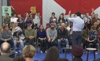 Reactie nervoasa a premierului Canadei: A cerut ca doua femei care il deranjau sa fie date afara din sala (Video)