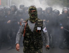 Rebelii au pus mana pe arme. Ii convinge Putin sa le lase jos? Scenarii pentru Ucraina