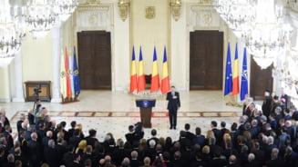 Receptia de la Cotroceni: PSD, ALDE si UDMR au lipsit. PNL s-a interesat de pozele cu Iohannis. Mancarea a fost mai buna ca pe vremea lui Basescu