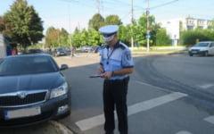 Recidivistul, politistii si amantul prins fara permis la volan. Infractorul le rade in nas oamenilor legii